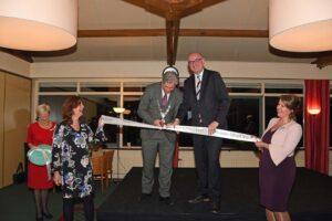 Openingshandeling door burgemeester Oskam en burgemeester Vroom